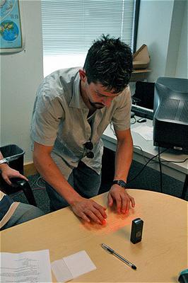 Esempio di utilizzo tastiera laser...