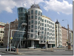 dancinghouse2